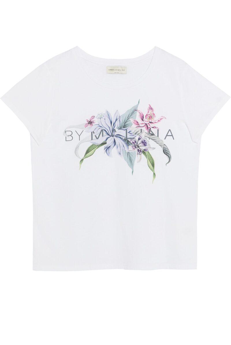 Vit t-shirt med By Malina logga.
