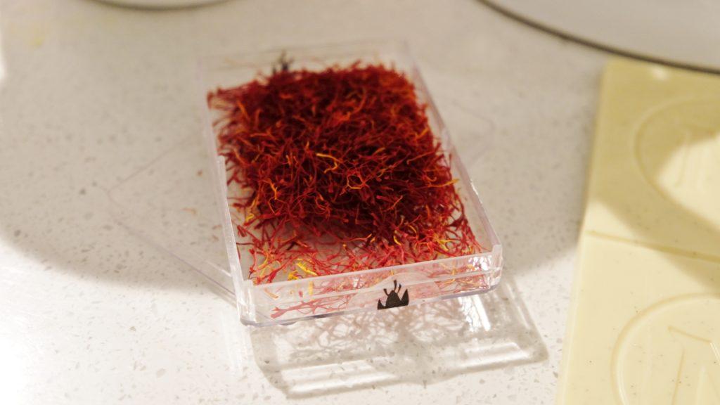 saffranslangd-med-vitchoklad-2